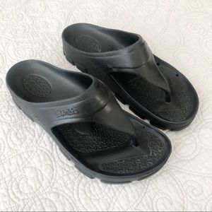 Birki's Birkenstock Black Caribbean Thong Sandals